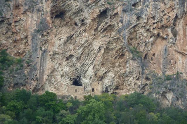 Μέσα στο φαράγγι του Βυρού, από Εξωχώρι προς Καρδαμύλη