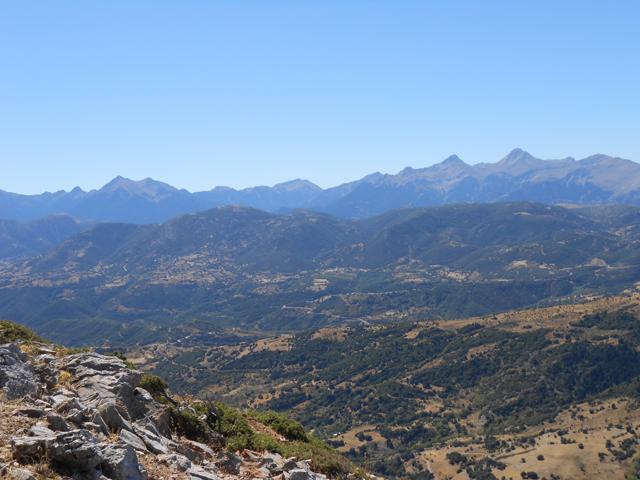 Θέα προς τις κορυφές του Ερυμάνθου από το Κιβούρι