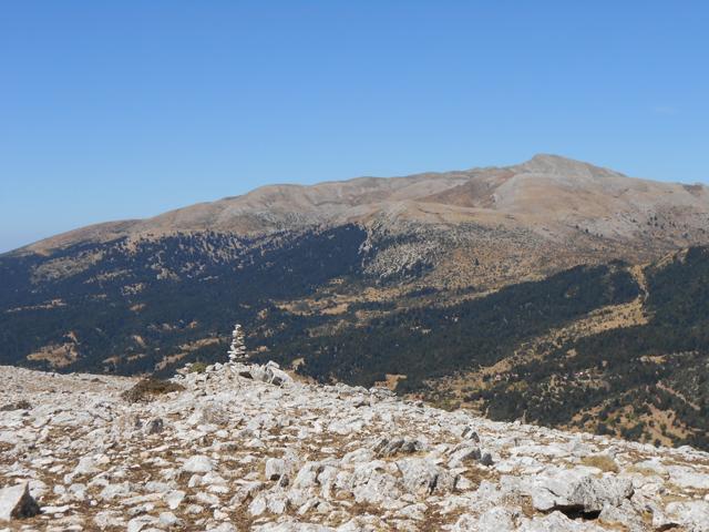 Θέα από το Κιβούρι προς τον Πύργο Παλαβού