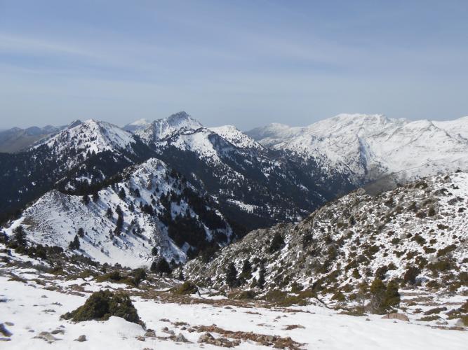 Θέα προς τις κορυφές του Ερυμάνθου