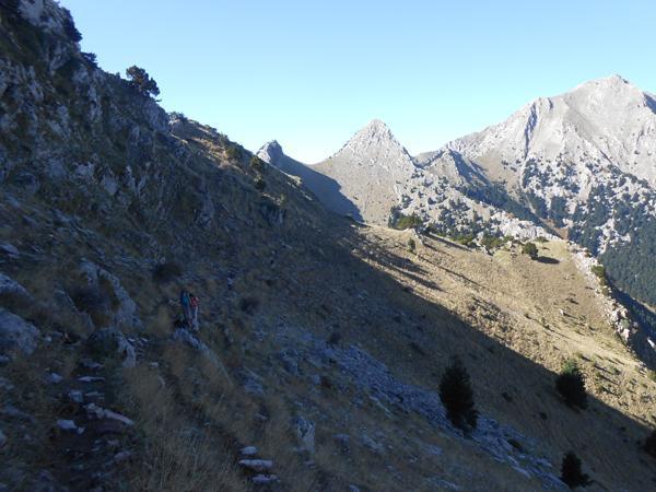Βαδίζοντας λίγο πριν την κορυφή